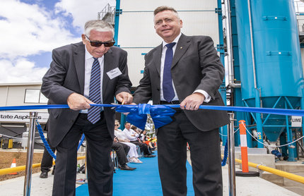 Kypreos Group chairman, George Kypreos, and Minister for Planning and Housing, Anthony Roberts, open the new $20 million State Asphalts NSW facility at St Marys.