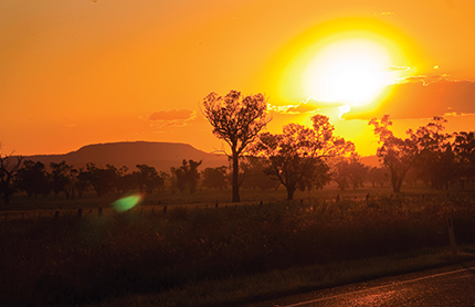 Oxley Highway at sunset. Liverpool Plains, NSW. Photo by: NSW Department of Planning, Industry and Environment / Neil Fenelon